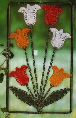 Рисунок 10 Вязаные картины - украшения для окон